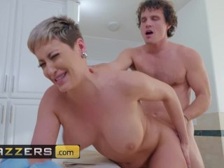 Hot stepmom Ryan Keely gets pounded in the bathroom – Brazzers