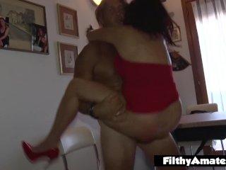 A két szexéhes feleség és a srácok
