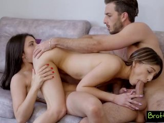 Helping My StepsisGive Her Bestie First Threesome S9:E7