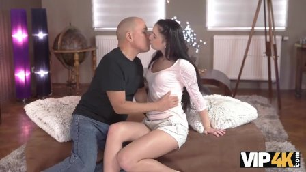 VIP4K. Older boyfriend Fernando makes Kittina Ivory happy