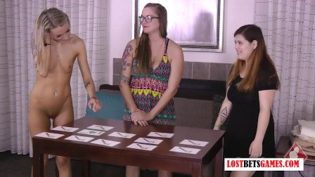 3 Gorgeous Girls Find out Who has the Best Memory  and Least Clothes