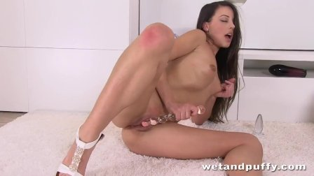 Horny Brunette Lorena Fondles Her Pussy