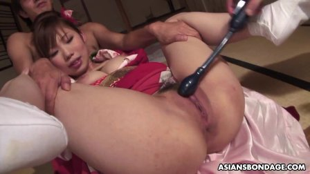 Azusa Uemura got tied up before having a wild threesome